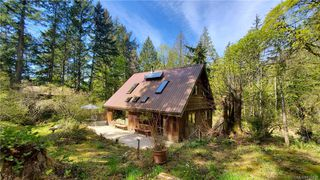 Photo 1: 3728 Capstan Lane in : GI Pender Island House for sale (Gulf Islands)  : MLS®# 837828
