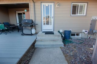 Photo 32: 1728 LAKEWOOD Road S in Edmonton: Zone 29 Townhouse for sale : MLS®# E4214059