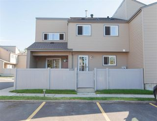 Photo 1: 1728 LAKEWOOD Road S in Edmonton: Zone 29 Townhouse for sale : MLS®# E4214059