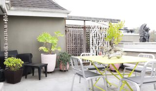 """Photo 3: 402 1665 ARBUTUS Street in Vancouver: Kitsilano Condo for sale in """"The Beaches"""" (Vancouver West)  : MLS®# R2498892"""
