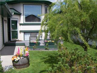 Photo 2: 52 SUNRIDGE Place NW: Airdrie Residential Detached Single Family for sale : MLS®# C3529637
