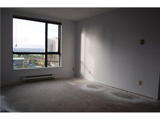"""Photo 7: # 402 - 98 10TH Street in New Westminster: Downtown NW Condo for sale in """"PLAZA POINTE"""" : MLS®# V1018924"""
