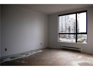 """Photo 5: # 402 - 98 10TH Street in New Westminster: Downtown NW Condo for sale in """"PLAZA POINTE"""" : MLS®# V1018924"""