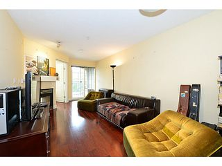 Photo 2: 203 1989 Dunbar Street in Vancouver: Kitsilano Condo for sale (Vancouver West)  : MLS®# V1059496
