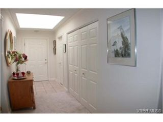 Photo 4: 502 940 Boulderwood Rise in VICTORIA: SE Broadmead Condo for sale (Saanich East)  : MLS®# 331431