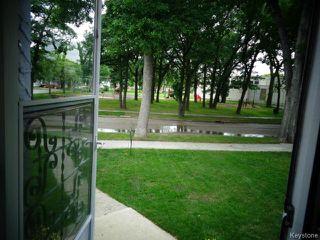 Photo 4: 369 Mandeville Street in WINNIPEG: St James Residential for sale (West Winnipeg)  : MLS®# 1417001