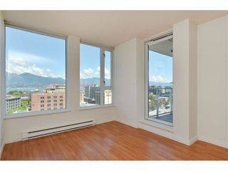 Photo 2: 1505 505 Talyor Street in Vancouver: Downtown Condo for sale (Vancouver West)  : MLS®# V1074531