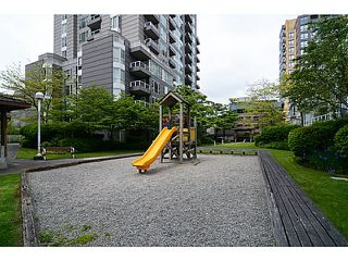 Photo 16: # 408 3488 VANNESS AV in Vancouver: Collingwood VE Condo for sale (Vancouver East)  : MLS®# V1123357