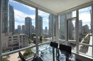 Photo 1: 706 535 SMITHE STREET in Vancouver: Downtown VW Condo for sale (Vancouver West)  : MLS®# R2109457
