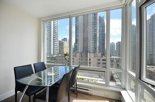 Photo 3: 706 535 SMITHE STREET in Vancouver: Downtown VW Condo for sale (Vancouver West)  : MLS®# R2109457