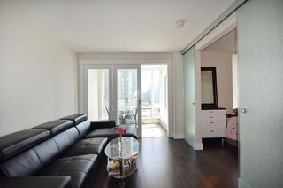 Photo 5: 706 535 SMITHE STREET in Vancouver: Downtown VW Condo for sale (Vancouver West)  : MLS®# R2109457