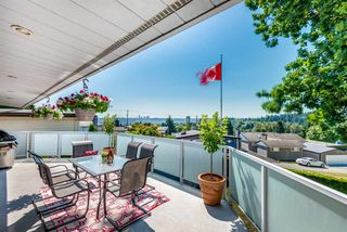 Photo 2: 812 Jackson Crescent in New Westminster: The Heights NW House for sale : MLS®# R2289493