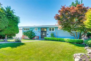 Photo 1: 812 Jackson Crescent in New Westminster: The Heights NW House for sale : MLS®# R2289493