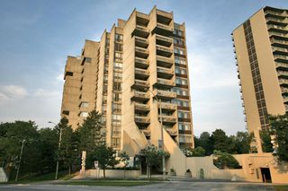 Photo 1: 20 Speers Rd #707 in : 1002 - CO Central CND for sale (Oakville)  : MLS®# OM2079449