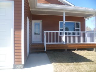 Photo 2: 4901 - 48 Avenue in Legal: House for rent