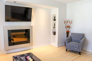 Photo 4: 160 Burrin Avenue in Winnipeg: Single Family Detached for sale (4D)  : MLS®# 1911971