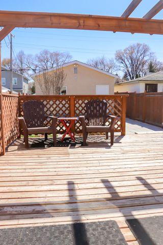 Photo 28: 160 Burrin Avenue in Winnipeg: Single Family Detached for sale (4D)  : MLS®# 1911971