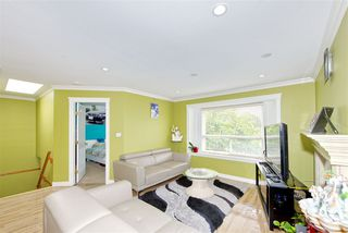 Photo 5: 7480 MAIN Street in Vancouver: South Vancouver House for sale (Vancouver East)  : MLS®# R2393431