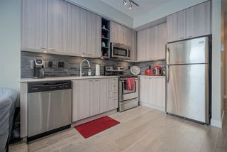 """Photo 6: 301 3090 GLADWIN Road in Abbotsford: Central Abbotsford Condo for sale in """"Hudsons Loft"""" : MLS®# R2441668"""