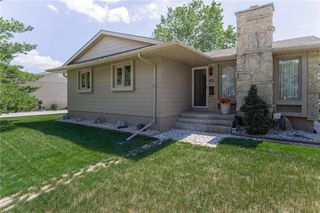 Main Photo: 41 Thetford Place in Winnipeg: Westdale Residential for sale (1H)  : MLS®# 202015212