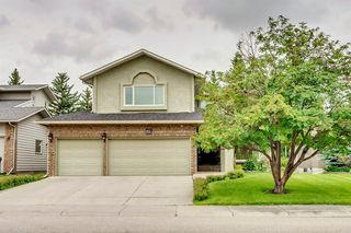 Main Photo: 892 SHAWNEE Drive SW in Calgary: Shawnee Slopes Detached for sale : MLS®# A1009012