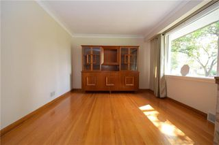 Photo 3: 325 Greene Avenue in Winnipeg: East Kildonan Residential for sale (3D)  : MLS®# 202023383