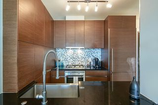Photo 5: 2102 565 SMITHE Street in Vancouver: Downtown VW Condo for sale (Vancouver West)  : MLS®# R2500351