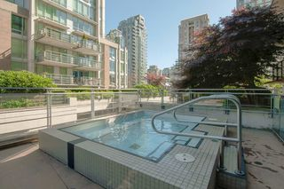 Photo 21: 2102 565 SMITHE Street in Vancouver: Downtown VW Condo for sale (Vancouver West)  : MLS®# R2500351