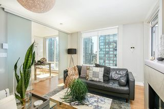 Photo 4: 2102 565 SMITHE Street in Vancouver: Downtown VW Condo for sale (Vancouver West)  : MLS®# R2500351
