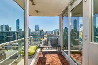 Photo 18: 2102 565 SMITHE Street in Vancouver: Downtown VW Condo for sale (Vancouver West)  : MLS®# R2500351