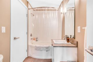 Photo 5: 404 2242 WHATCOM Road in Abbotsford: Abbotsford East Condo for sale : MLS®# R2509889