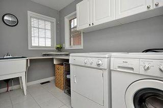 Photo 9: 8 Benmore Crest in Brampton: Vales of Castlemore House (2-Storey) for sale : MLS®# W2334751