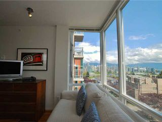 "Photo 3: 404 2483 SPRUCE Street in Vancouver: Fairview VW Condo for sale in ""SKYLINE"" (Vancouver West)  : MLS®# V953379"