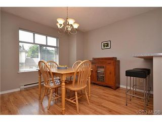 Photo 3: 102 710 Massie Dr in VICTORIA: La Langford Proper Row/Townhouse for sale (Langford)  : MLS®# 610225