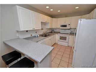 Photo 16: 102 710 Massie Dr in VICTORIA: La Langford Proper Row/Townhouse for sale (Langford)  : MLS®# 610225