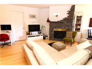 "Photo 1: 210 3131 MAIN Street in Vancouver: Mount Pleasant VE Condo for sale in ""CARTIER PLACE"" (Vancouver East)  : MLS®# V972221"