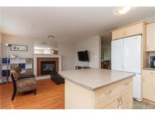 Photo 8: 758 Sanctuary Crt in VICTORIA: SE High Quadra Single Family Detached for sale (Saanich East)  : MLS®# 680733