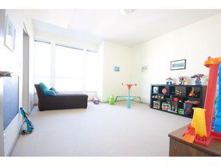Photo 2: # 405 14 E ROYAL AV in New Westminster: Fraserview NW Condo for sale : MLS®# V1105870