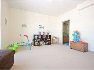Photo 3: # 405 14 E ROYAL AV in New Westminster: Fraserview NW Condo for sale : MLS®# V1105870