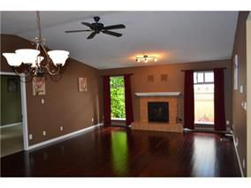 Photo 3: 2832 MCCOOMB Drive in COQUITLAM: Eagle Ridge CQ House for sale (Coquitlam)  : MLS®# R2056872