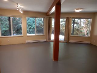 Photo 16: 5557 RILEY ROAD in Halfmoon Bay: Halfmn Bay Secret Cv Redroofs House for sale (Sunshine Coast)  : MLS®# R2344865