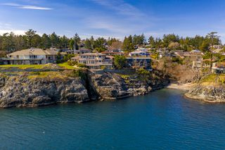 Photo 6: Oceanfront prestigious Masterpiece 4461 Shore Way Victoria BC