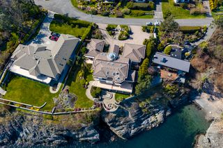 Photo 8: Oceanfront prestigious Masterpiece 4461 Shore Way Victoria BC