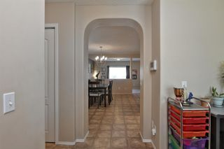 Photo 2: 530 GEISSINGER LO NW in Edmonton: Zone 58 House for sale : MLS®# E4158785