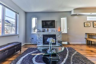 """Photo 5: 34 15871 85 Avenue in Surrey: Fleetwood Tynehead Townhouse for sale in """"Huckleberry"""" : MLS®# R2422323"""