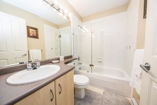 """Photo 7: 34 15871 85 Avenue in Surrey: Fleetwood Tynehead Townhouse for sale in """"Huckleberry"""" : MLS®# R2422323"""