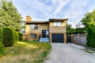 Photo 1: 12204 80B Avenue in Surrey: Queen Mary Park Surrey House for sale : MLS®# R2490197