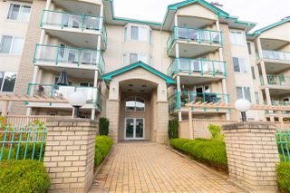 Main Photo: 410 20433 53 Avenue in Langley: Langley City Condo for sale : MLS®# R2502708