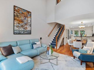 Photo 3: 2555 W 5TH AVENUE in Vancouver: Kitsilano Townhouse for sale (Vancouver West)  : MLS®# R2475197