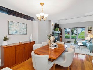 Photo 4: 2555 W 5TH AVENUE in Vancouver: Kitsilano Townhouse for sale (Vancouver West)  : MLS®# R2475197